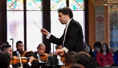 Gustavo Dudamel, en el Palau al frente de la Sinfónica Simón Bolívar de Venezuela.
