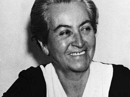 La escritora Gabriela Mistral, premio Nobel de Literatura en 1945.