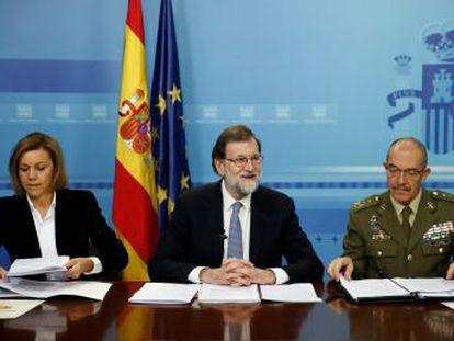 El presidente califica de  historia de éxito  la participación de las Fuerzas Armadas en misiones internacionales