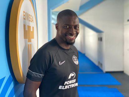 El mediocentro senegalés Pape Diop, que pasó por equipos de LaLiga Santander como la UD Levante, el RCD Espanyol de Barcelona o la SD Eibar, es uno de los grandes fichajes de la UD Ibiza para su primera temporada en LaLiga SmartBank.