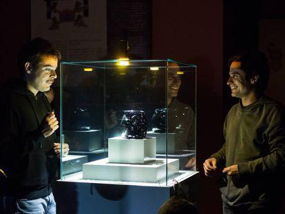Leonardo Ortizgris y Gael García Bernal durante el rodaje de 'Museo'.