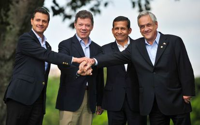 De izquierda a derecha, los presidentes de México, Colombia, Perú y Chile, el pasado mayo en Cali.