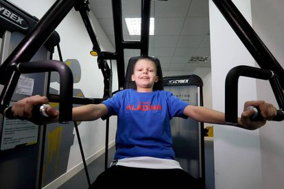 Pablo, de 11 años, hace deporte en el gimnasio Tándem (MADRID).