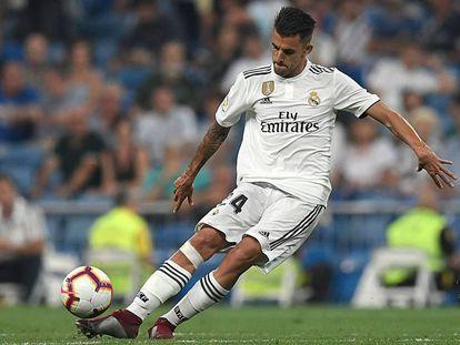 Ceballos golpea el balón durante el Real Madrid - Leganés.