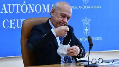 Rueda de prensa de ayer del consejero de Sanidad de Ceuta, Javier Guerrero.
