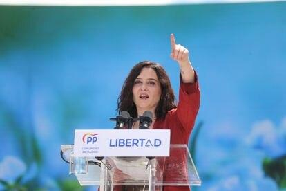 La presidenta de la Comunidad de Madrid y candidata del PP, Isabel Díaz Ayuso, durante un acto electoral en Majadahonda este sábado.