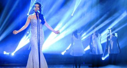 La cantante Ruth Lorenzo interpreta 'Dancing in the rain'.