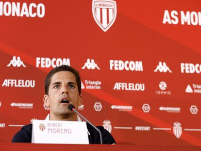 Robert Moreno, durante una rueda de prensa con el Mónaco. / SEBASTIAN NOGIER (EFE)