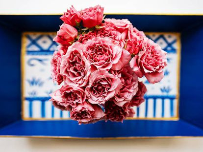 Sorprende a tu pareja en San Valentín: cinco ramos de flores que llegan mañana