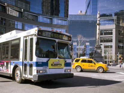 Uno de los autobuses eléctricos de Nueva York que lleva sensores incorporados.