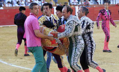 Víctor Barrio, instantes después de sufrir la cogida mortal en Teruel.
