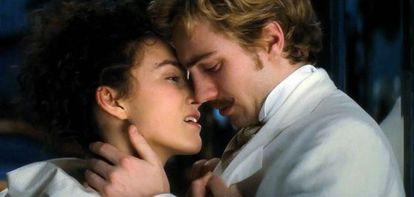 Keira Knightley y Aaron Taylor-Johnson, en la película.