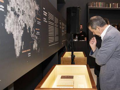 Una de las salas de la muestra 'La Biblia: un viaje por las lenguas del mundo'.
