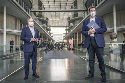 Armin Laschet, a la izquierda, y Markus Söder, el pasado domingo en el Parlamento alemán.