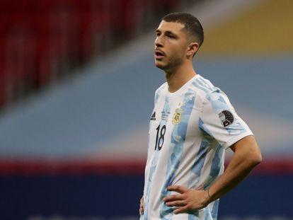 El mediocampista de Argentina, Guido Rodríguez, en la semifinal contra Colombia.