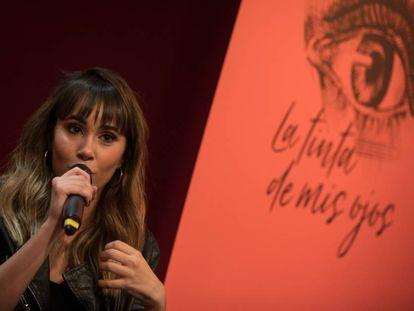 Aitana Ocaña presenta su libro 'La tinta de mis ojos', en la Fnac de Callao, Madrid, este miércoles.