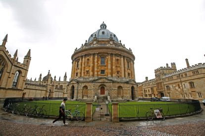 The University of Oxford began printing books continuously in 1586, thanks to a royal decree.