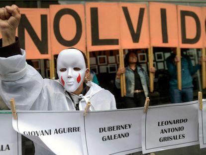 Una manifestación en contra de las ejecuciones extrajudiciales perpetradas por el Ejército colombiano, en 2018.