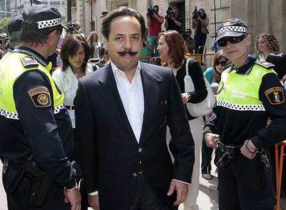 Álvaro Pérez, <i>El Bigotes,</i> responsable de Orange Market, se dirige a declarar ante el juez.