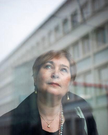 Christine Guimonnet es profesora de historia y geografía, en el instituto Camille Pissarro, en Pontoise, un suburbio del norte de París, donde es fotografiada.