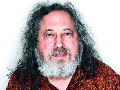 Richard Stallman es una leyenda  creó el primer sistema operativo abierto e impulsó el 'copyleft'. Cree que los teléfonos inteligentes nos han hecho retroceder 10 años en términos de privacidad