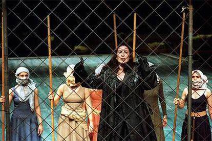 Gloria López, en una escena de 'Fuenteovejuna' , del Centro Andaluz de Teatro.