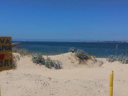 Playa de Cova do Vapor, enfrente de Lisboa.