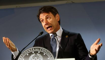 El primer minsitro italiano, Giusepp Conte, en la rueda de prensa de la cumbre de Bruselas.