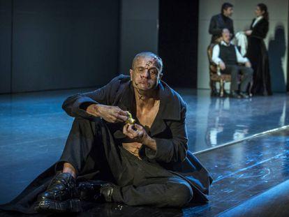Joel Joan coo el monstruo de Frankenstein, en el TNC