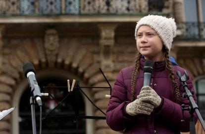 Greta Thunberg se dirige a los estudiantes en Hamburgo.