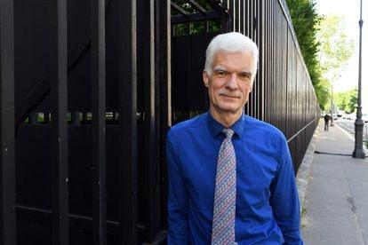 Andreas Schleicher, coordinador del informe PISA y director de Educación de la OCDE, el martes ante la sede del organismo, en París.