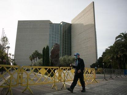 13/11/20 Hotel Rey Juan Carlos I clausurado por falta de turistas a consecuencia de la pandemia mundial de la Covid-19 (coronavirus).