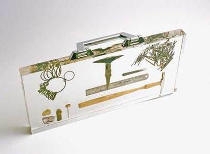 Reinterpretación de la maleta de un joyero jubilado, según la descripción de su creador Ted Noten