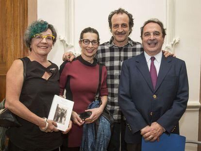 Los hermanos Giménez Cacho durante el homenaje a la familia en el Ateneo Español