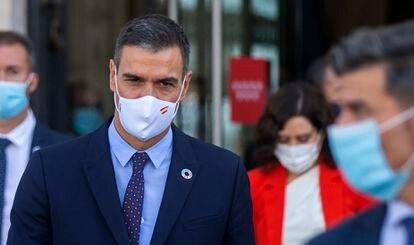 El presidente del Gobierno, Pedro Sánchez, se va de la sede de la Comunidad de Madrid tras la reunión con Isabel Díaz Ayuso