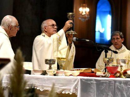 El arzobispo de Paraná, Juan Alberto Puigarri, en una foto de archivo.