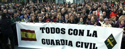 Concentración en Ceuta en apoyo a la Guardia Civil.