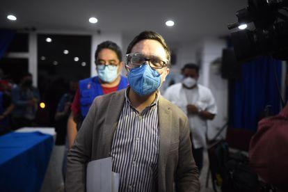 El exfiscal Juan Francisco Sandoval ofrece una rueda de prensa el 23 de julio de 2021, en Ciudad de Guatemala (Guatemala), tras conocerse su destitución.