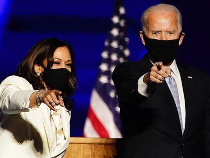 Kamala Harris y Joe Biden, en su discurso como nuevo equipo presidencial electo, el sábado.