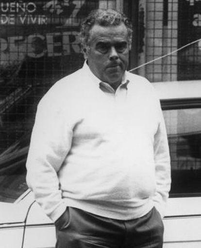 Ocupa la tesorería en 1987, cuando el presidente era Antonio Hernández Mancha y secretario general Arturo García Tizón. En 1990 Aznar alcanza la presidencia del que se llamaría Partido Popular, pero estalló el 'caso Naseiro' y este dejó el cargo.