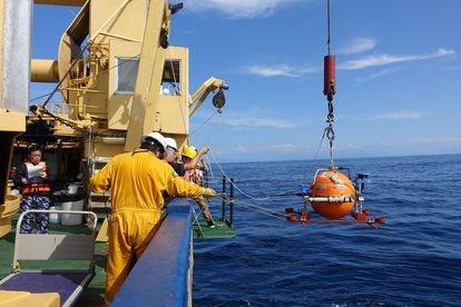 Trabajos sobre el proyecto de investigación de la UNAM y la Universidad de Kioto en la brecha sísmica de Guerrero.