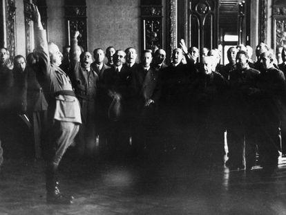 Franco se autoproclama Caudillo de España durante la Guerra Civil, en septiembre de 1937.