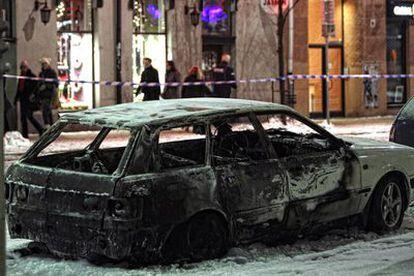 Estado del coche bomba que ha explotado en el centro de Estocolmo.