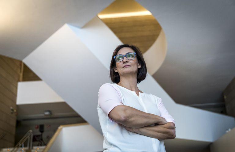 Nuria Enguita, en el vestíbulo del IVAM.
