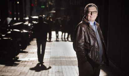 El periodista Jordi Mercader debuta en la ficció novel·lant l'apropament entre tecnòcrates franquistes i burgesia catalana als seixanta.