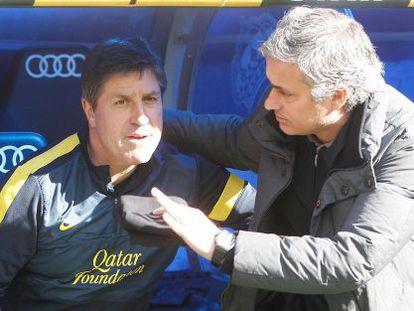 Roura y Mourinho, antes del duelo en el Bernabéu.