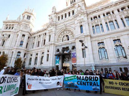 Manifestación en apoyo a Madrid Central que recorrió el pasado sábado la calle Alcalá desde la plaza de Cibeles a la Puerta del Sol.