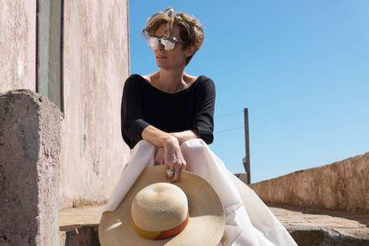 Tilda Swinton, de Raf Simons en 'Cegados por el sol'.