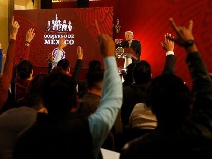 Varios periodistas durante una conferencia de prensa del presidente Andrés Manuel López Obrador, en Ciudad de México.