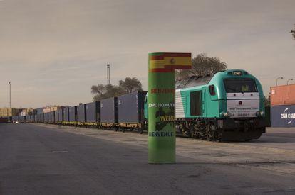 Un tren de mercancías procedente de Yiwu llega en diciembre de 2014 a Madrid.